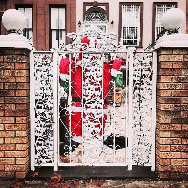 #holidayfail #bahumbug #santa #brooklyn #newyork #usa