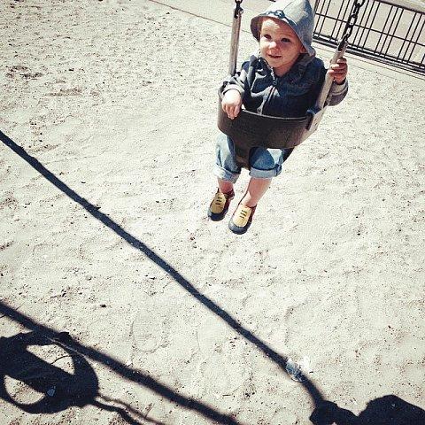 #family  #eastonbeach #newport #rhodeisland #usa #errol #swings