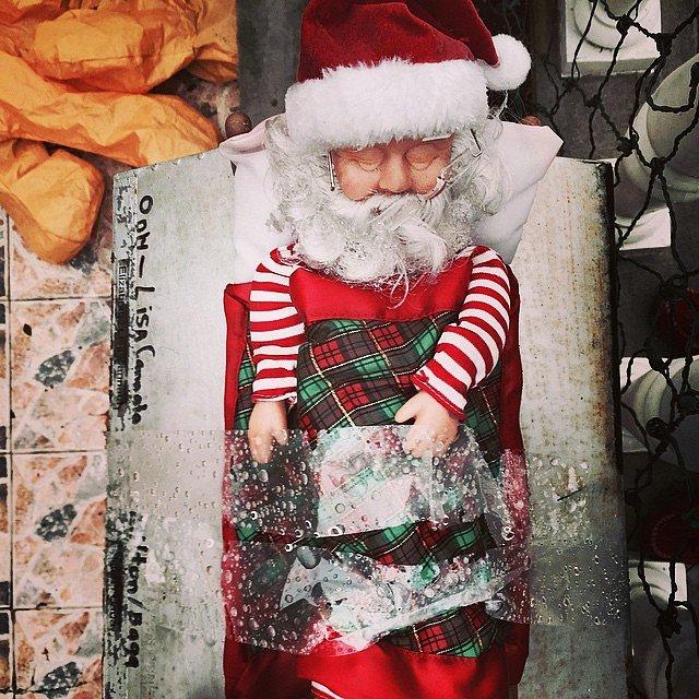 #holidayfail  #bestoftheworst #santa #brooklyn #newyork #usa