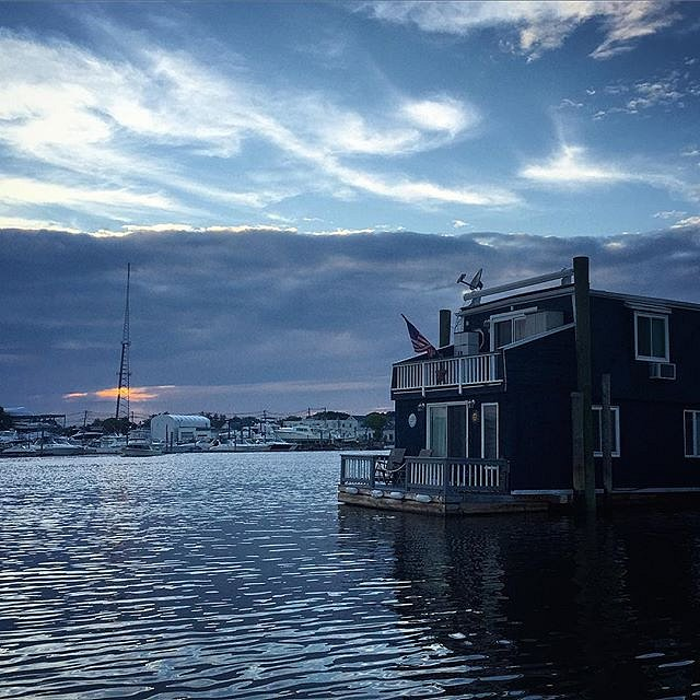 What's the 4th without a boat ride? #minnesotaborn #newyork #freeport #usa #onassignment #blue #houseboat #july4