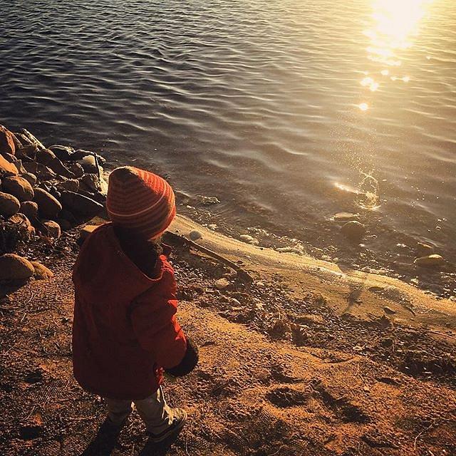 #skippingrocks #morning #minnesota #lakeminnetonka #family