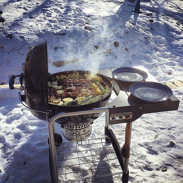 Happy New Year from Minnesota! #22degrees #hello2017 #bbq #kebabs #winter #newyear #minnesota #lakeminnetonka #family #peace