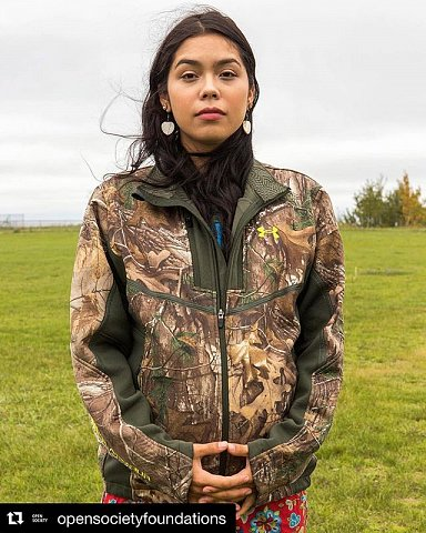 Sara Seki-Mountain, 21, is Ojibwe and a member of Red Lake Nation in northern Minnesota. Seki-Mountain works with the Food Initiative, a program whose goal is to bring food sovereignty to the Red Lake Indian Reservation. ⠀ ⠀ For centuries, the Ojibwe people have lived in Red Lake, Minnesota. It is with an eye to this long history that tribal peoples living on the Red Lake Indian Reservation have decided to reclaim their food sovereignty—and preserve their cultural identity—by feeding themselves entirely with wild game, and cultivated and wild crops from within the reservation. In this series, Sarah Stacke (@sarah_stacke) shares dispatches from this indigenous land rights and food sovereignty project.⠀ ⠀ #opensociety #redlakereservation #ojibwe #landrightsnow #indigenous #foodsovereignty #foodsecurity #foodsystems